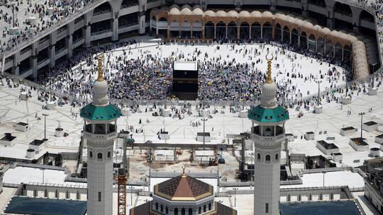 السعودية.. تشكيل لجنة لاستئناف العمرة   الشبكة العربية للأنباء